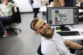 This Is How You Can Turn Employees into Happy Brand Ambassadors
