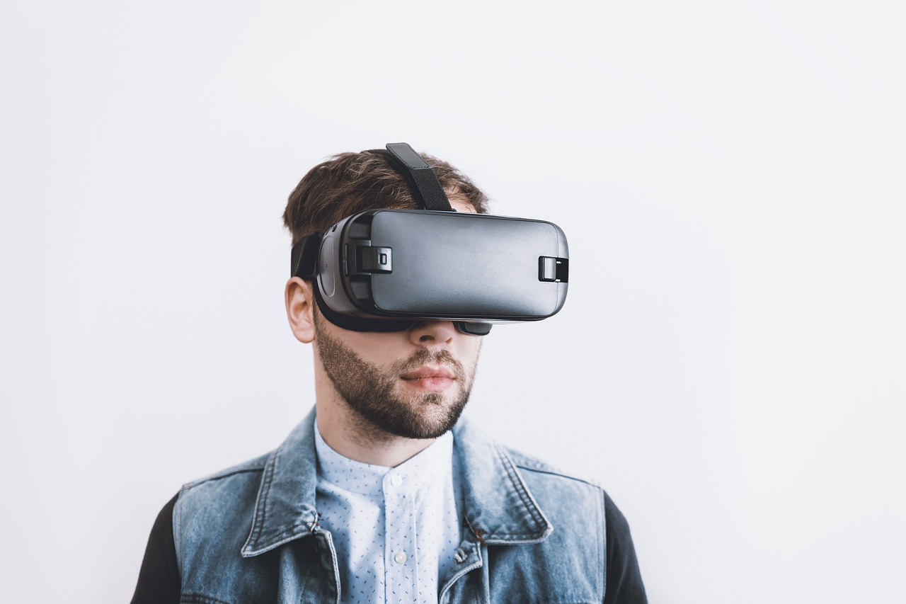 What You Need to Know about VR Employee Training