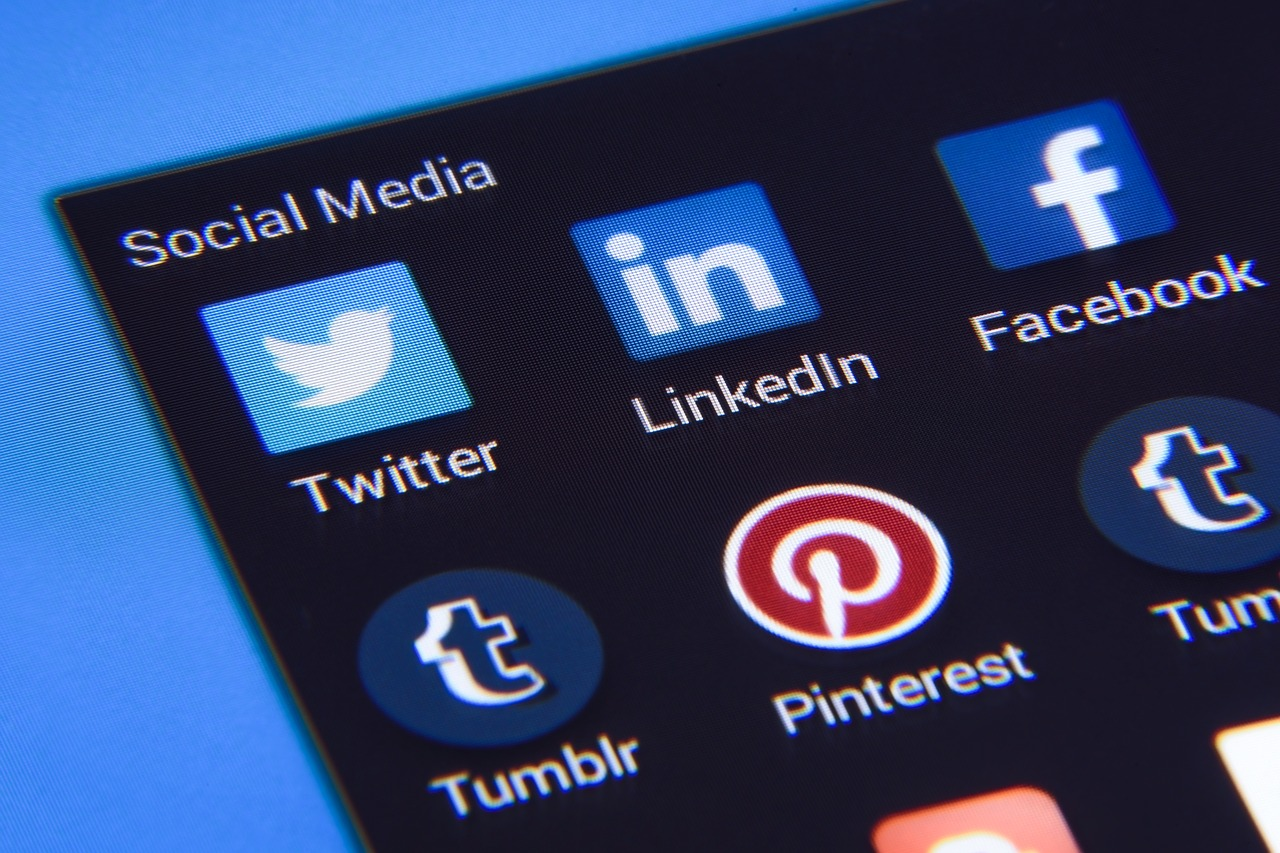 This Is What HR Pros Should Look for on Candidates' Social Media Accounts